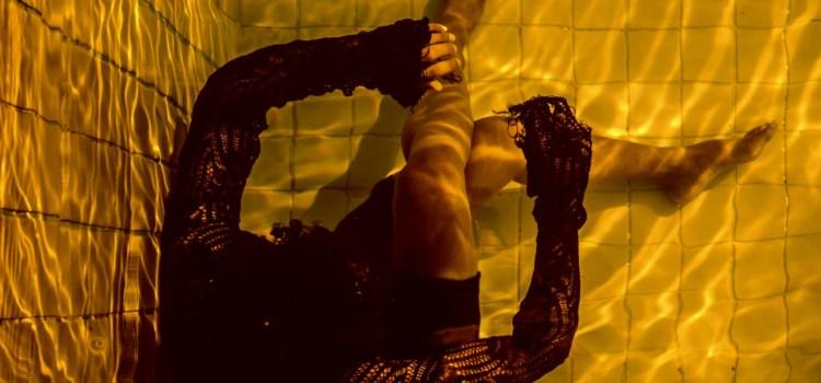 GOLDFISH: Espetáculo aborda individualismo e falta de empatia com o outro