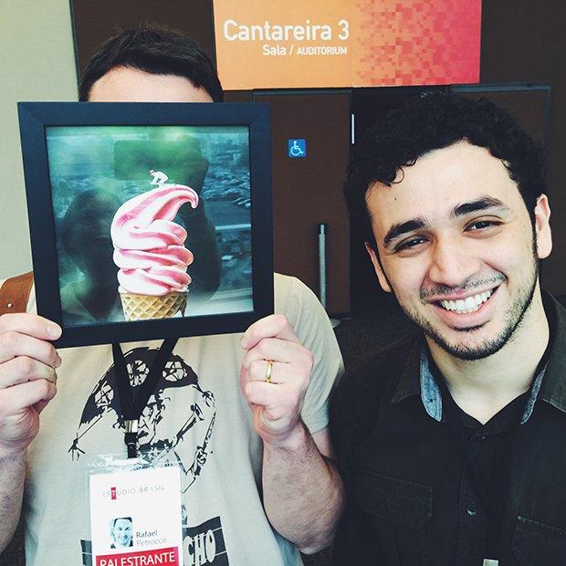 O Rafa recebeu o quadro dele do @encolhiaspessoas