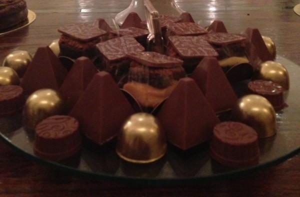 Pirâmides doce de leite e bombom recheado de brigadeiro