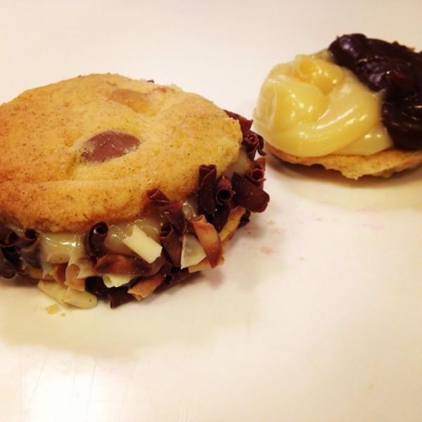 Cookie recheado de brigadeiro branco e preto ( um crime à dieta de qualquer ser humano!)