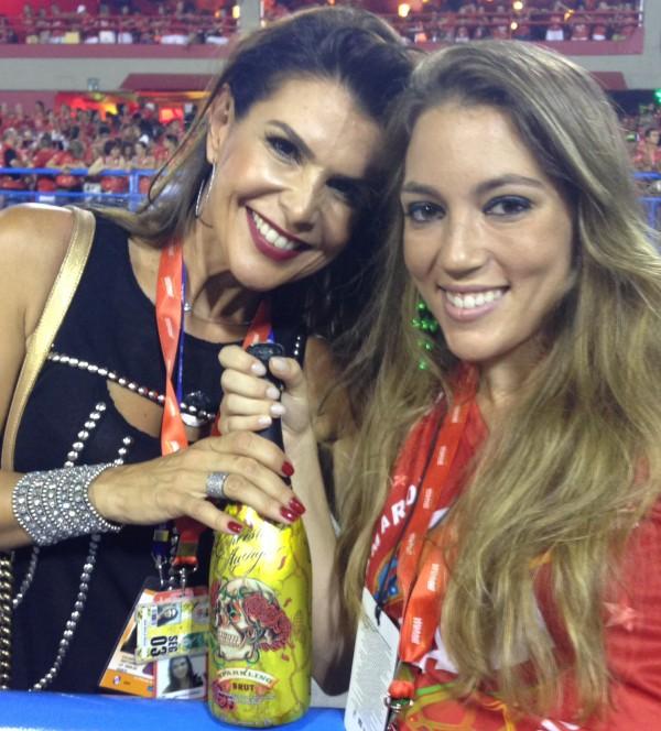 Eu e minha amiga Ana Paula, gata!