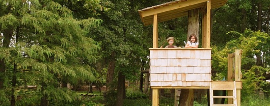 Simple DIY Tree House For Kids Play