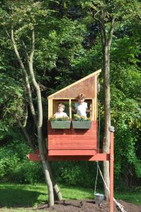 Simple Diy Treehouse For Kids Play 28