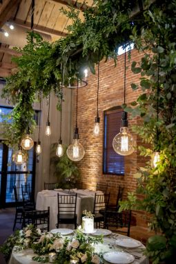 Amazing Rustic Hanging Bulb Lighting Ideas 17