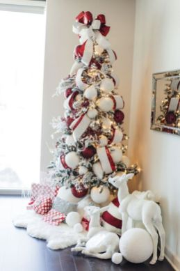 Gorgeous Chirstmas Tree Decorations Ideas 2019 26