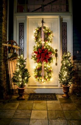Amazing Christmas Porch Ornament And Decorations 36
