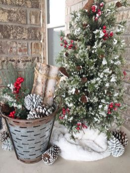 Amazing Christmas Porch Ornament And Decorations 96