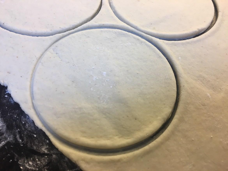 Stikk ut sirkler med en skål