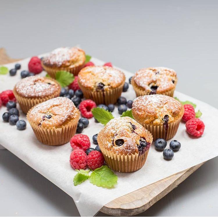 glutenfrie quinoamuffins med sitron og blåbær