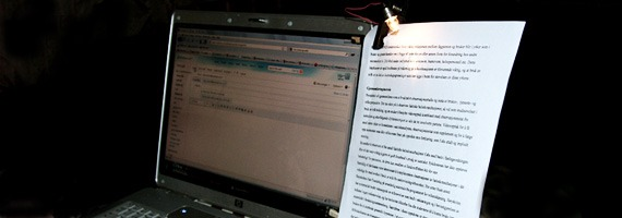 Mini DIY - Homemade Laptop Document Holder