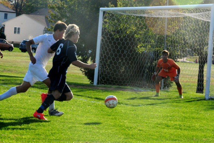 Pennsbury boys soccer clips Council Rock North in OT