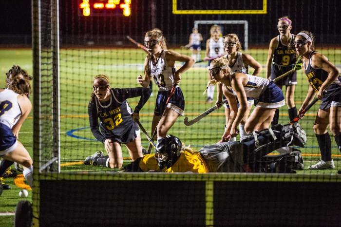 Unionville dethroned by CB West in District 1-AAA semis