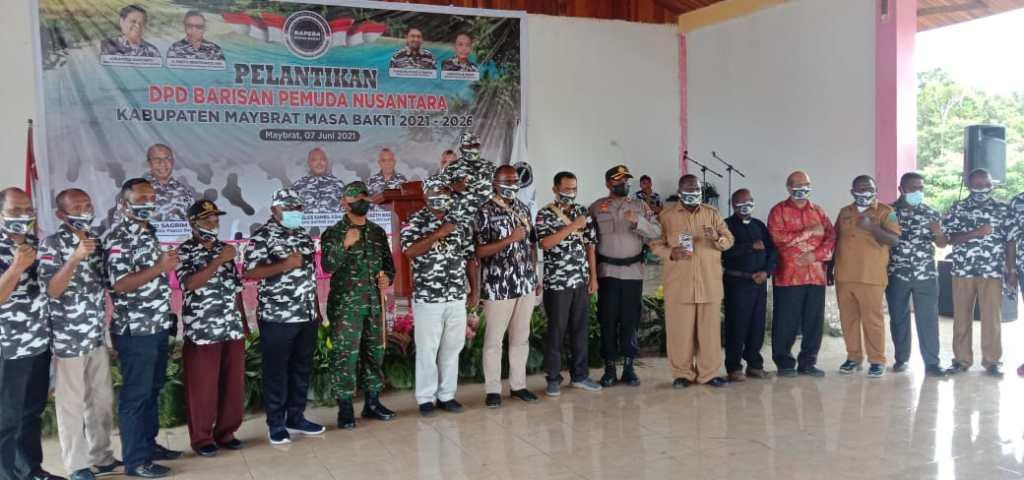 Prosesi Pelantikan dan Pengukuhan BAPERA Kabupaten Maybrat yang dilakukan oleh Ketua DPD BAPERA Provinsi Papua Barat. Foto: PbP/ESE