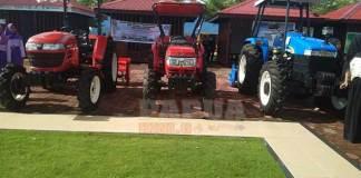 Tiga Sekolah Dapat Bantuan Traktor