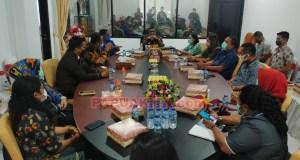 Tatap muka dan silaturahim Penjabat Bupati Manokwari, Robert Rumbekwan dengan Pimpinan dan Anggota DPRD