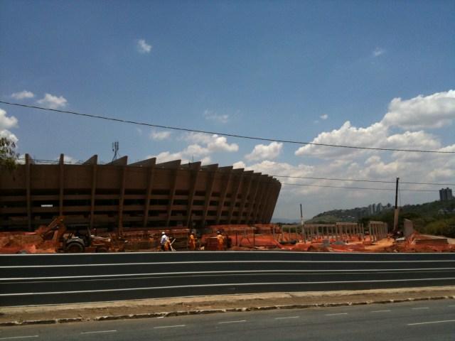 Bauarbeiten am WM-Stadion Mineirao in Belo Horizonte, Brasilien