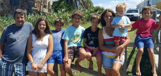 Marcos Wright y familia