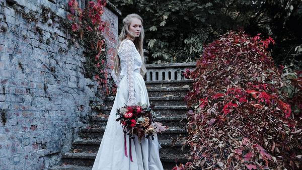 Bálint Sára mesebeli menyasszonyi kollekciót tervezett ...