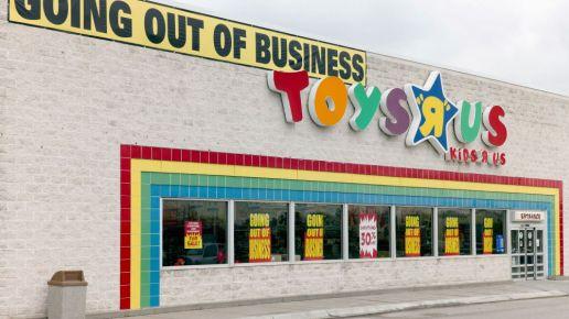 """Debunking the Myth of the """"Retail Apocalypse"""""""