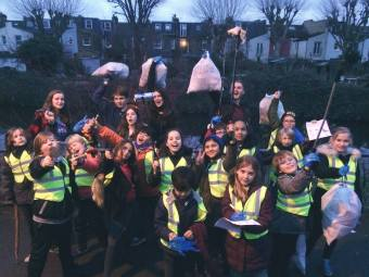 Wild Child Spring Celebration Wandle litter pick