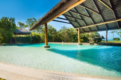Paradise-Cove-Resort-Whitsundays-Swimming-Pool
