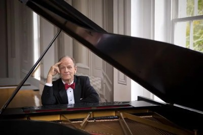 Livingston Taylor at The Academy of Music Theatre