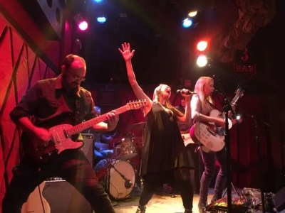 The Nields at the Iron Horse