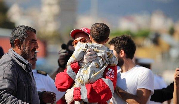 """Хуманитарната помощ, която променя животи в """"Чекпойнт"""" от Жан-Кристоф Рюфен [откъс от книгата и интервю с Аксиния Михайлова]"""