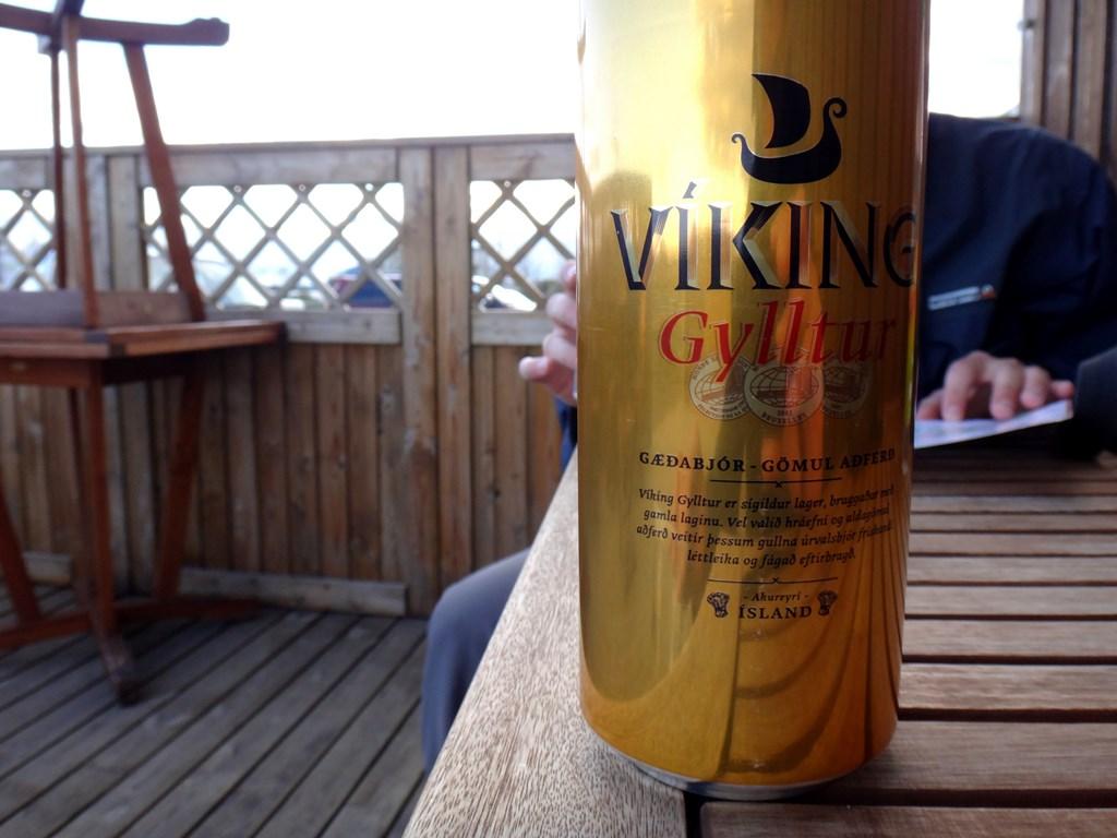 20:30. Pierwsza podczas wyjazdu degustacja piwa Viking. Jak na browar za 30 zł smak zdecydowanie rozczarowuje.