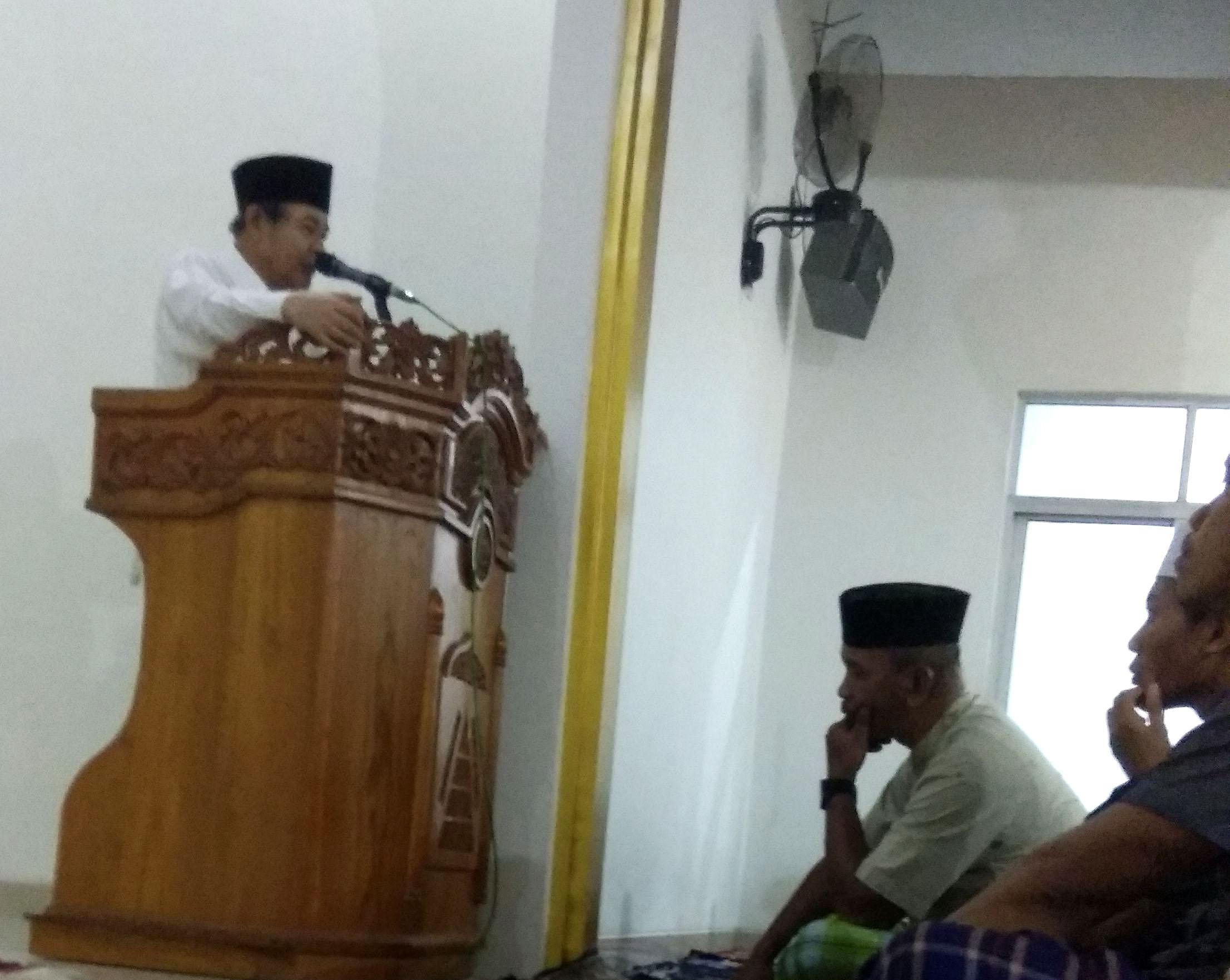 Civitas Akademik IPI mengadakan sholat Gerhana berjamaah di Masjid Kampus 1