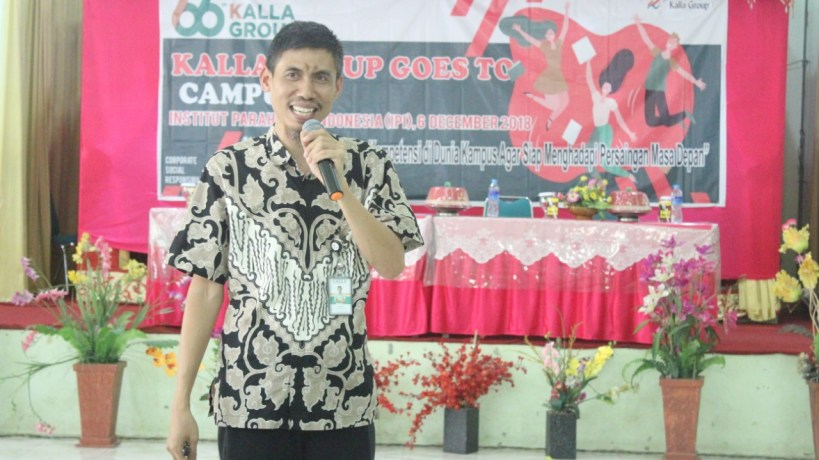 pemateri-kalla-goes-to-campus-syamril