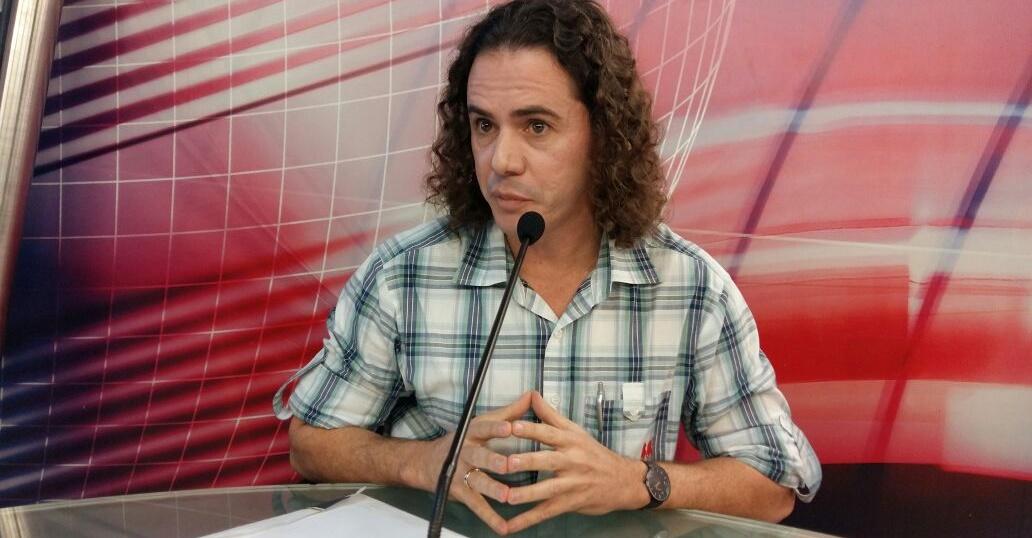Veneziano lamenta que o PMDB tenha se tornado um partido autoritário