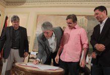 Ricardo assina convênios de R$ 29 mi com prefeituras para construção de escolas