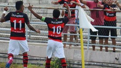 Campinense reverte desvantagem, elimina o Serrano e é 1º finalista do Paraibano