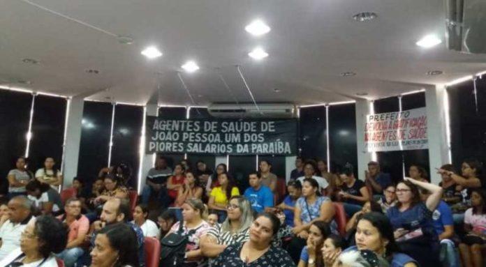 Na bronca: agentes de saúde prometem fazer boneco de Cartaxo e desfilar nas ruas de JP
