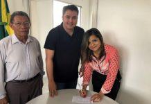 Em Santa Rita, médica se filia ao Democratas e declara apoio a Efraim Filho e Léo Micena