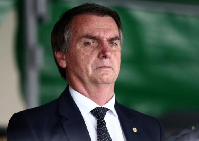 Chamada representante da 'direita' no jornalismo, paraibana adere a protesto contra Bolsonaro