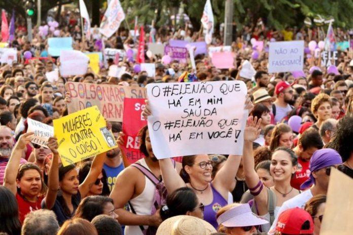 """""""Partidos só colocam mulheres candidatas pra cumprir lei"""", afirma especialista político"""
