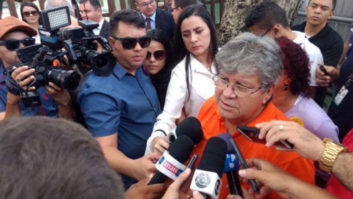 João Azevêdo entrega gasoduto no Distrito Industrial e assina contratos do Empreender