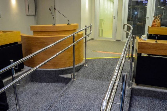 ALPB é a 1ª do país a ter tribuna ajustável para pessoas com deficiência