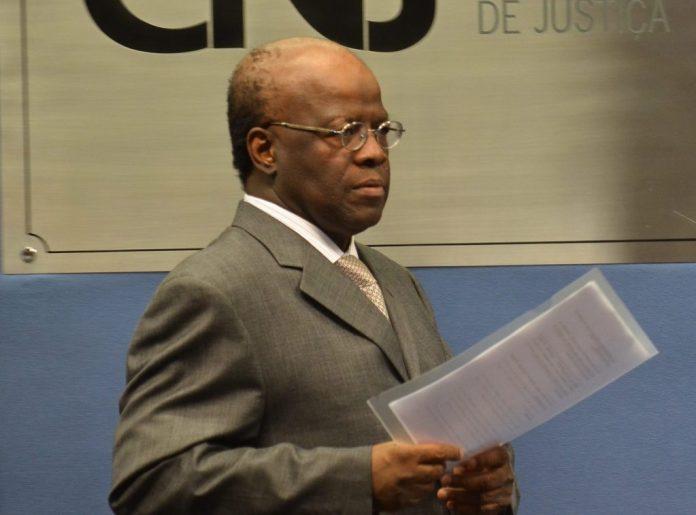 Um ano depois de filiação, Joaquim Barbosa se reaproxima do PSB