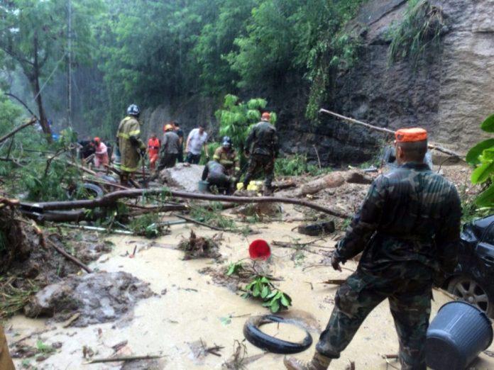 Sobe para sete o número de mortos pelo temporal no Rio; chuva continua
