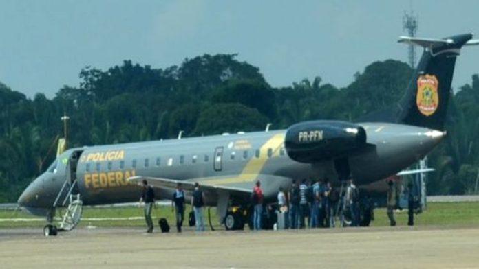 Após processo da Lagoa subir para o TRF, avião da PF desembarca em Recife