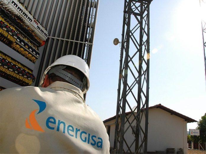 Energisa e Aneel renovam iluminação pública de três cidades paraibanas