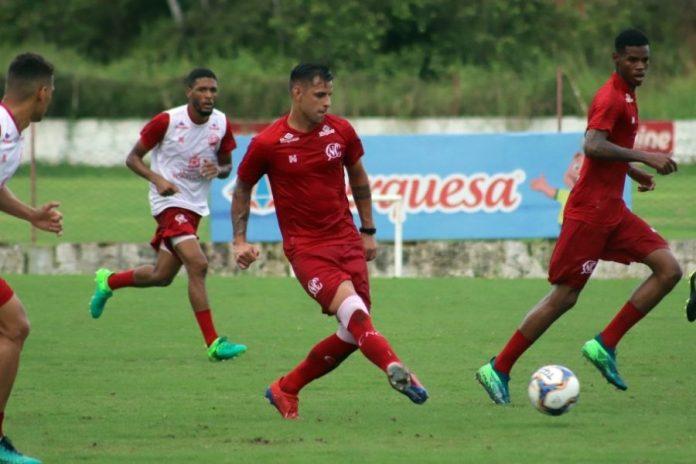 Náutico pode ganhar dois reforços para encarar o Botafogo-PB domingo