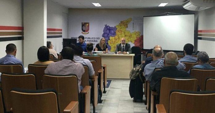 Ministério Público recomenda distribuidoras reduzirem preço dos combustíveis