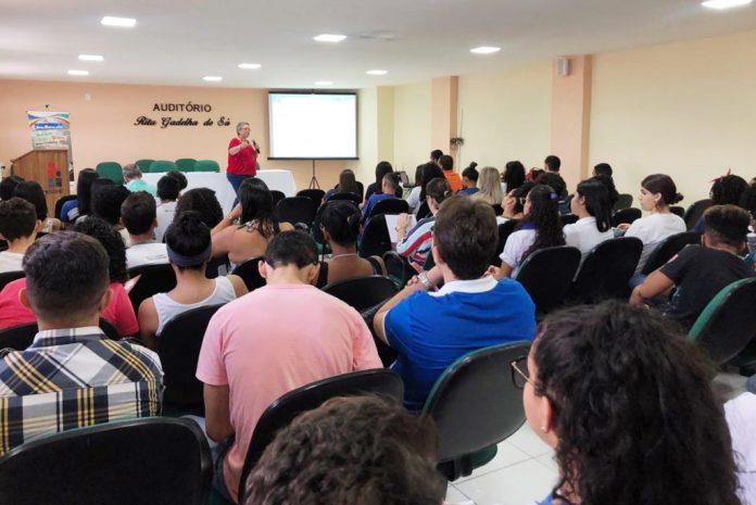 Cendac promove encontro com jovens lideranças das Escolas Cidadãs Integrais