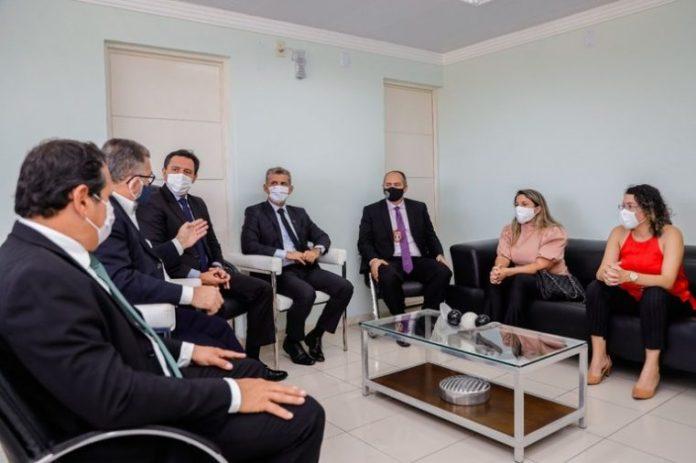 Em reunião com OAB, secretário de Segurança reafirma respeito à advocacia