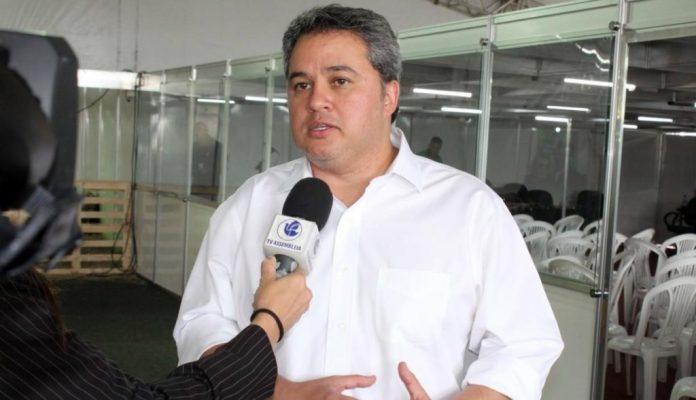Efraim Filho destina mais de R$ 2 milhões para educação, em São Mamede