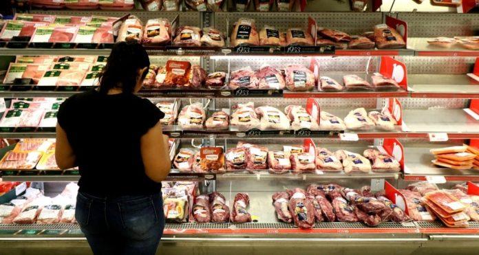 Pesquisa: saiba em qual supermercado comprar carne e frango mais barato em JP
